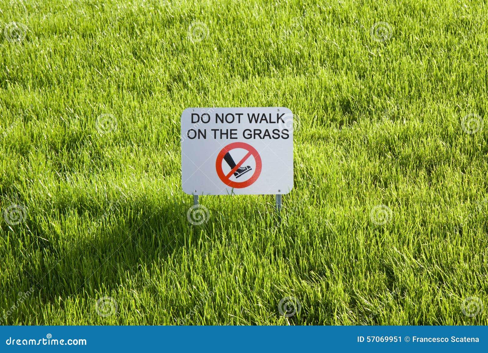 Loop niet op het gras