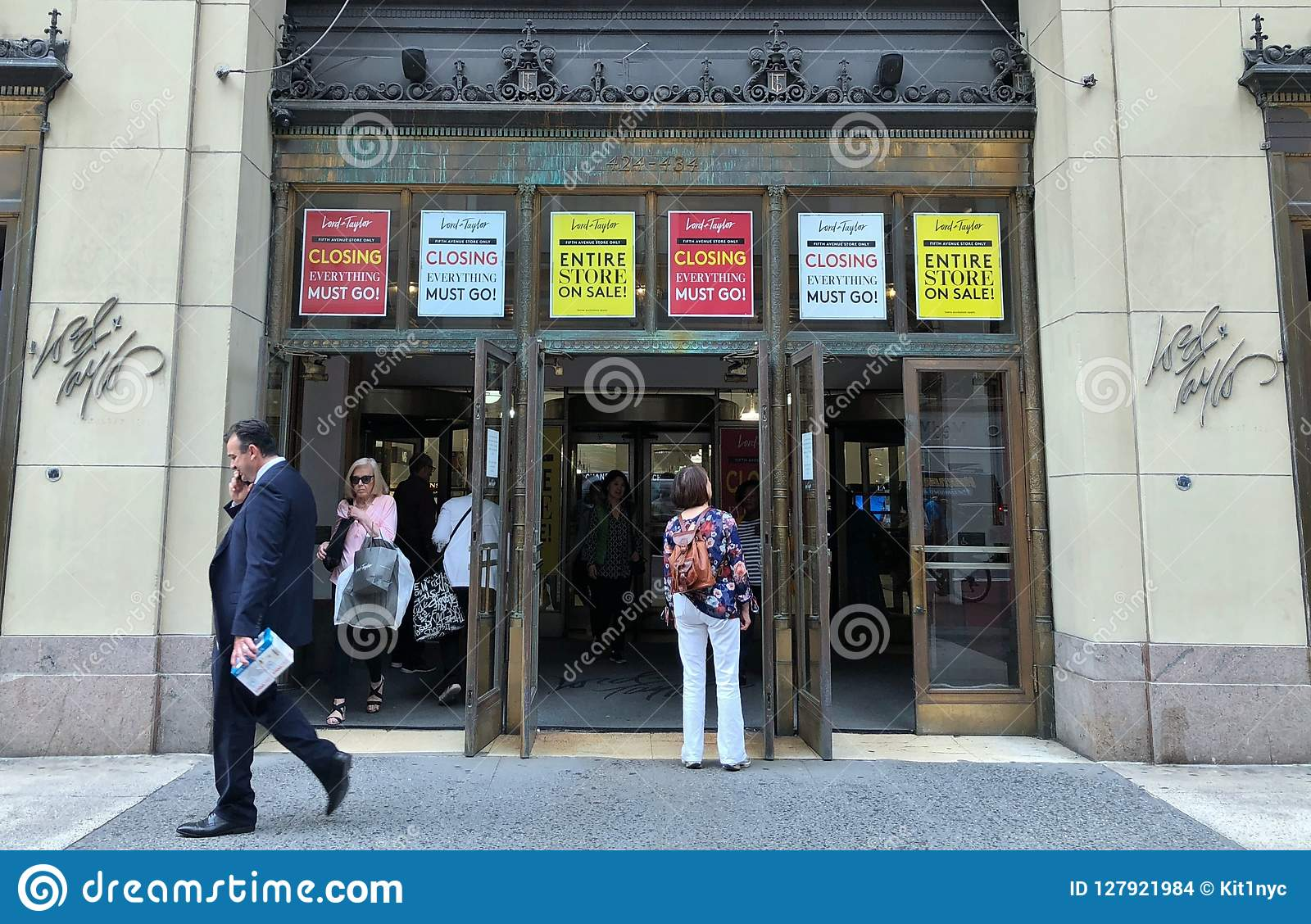 3ec46a4dba4c2 Lord and Taylor New York Flagship Store Sale and Store Closing Liquidation