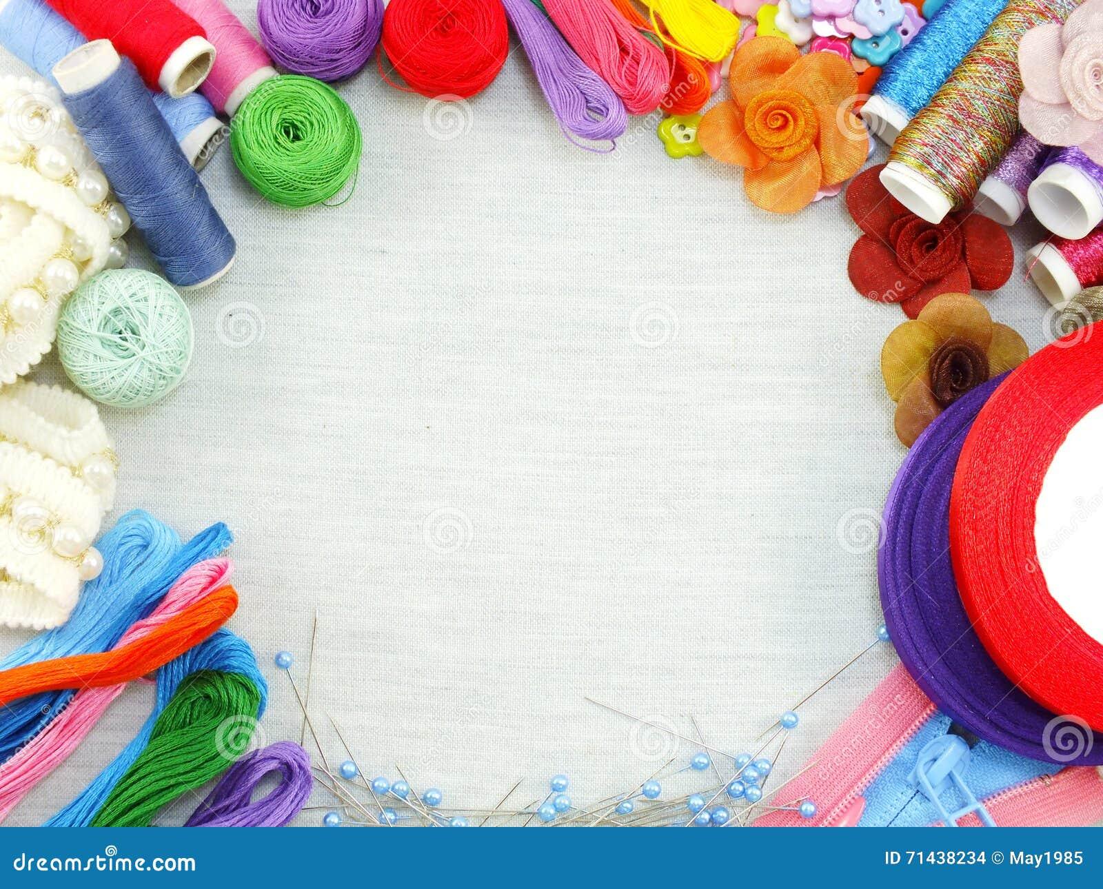 Los accesorios de costura para el equipo de costura hecho a mano confinan el fondo con el espacio de la copia