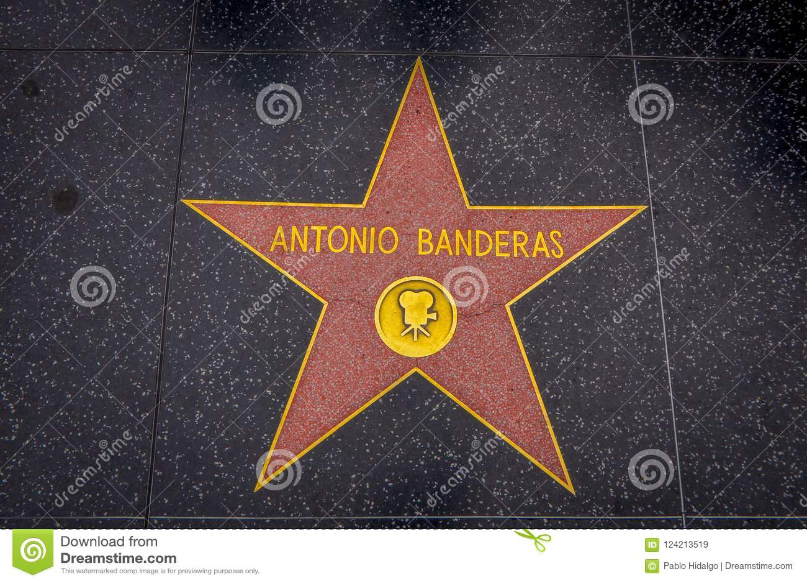 Los Angeles, Califórnia, EUA, JUNHO, 15, 2018: Vista exterior da estrela do ` de Antonio Banderas na caminhada de Hollywood da fa