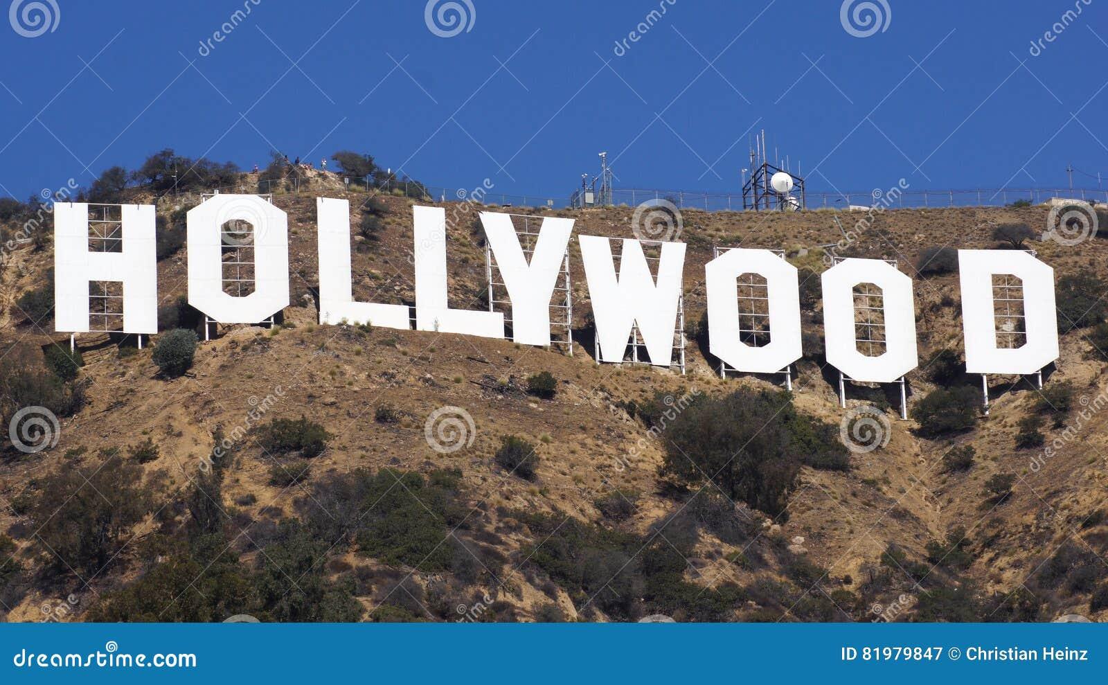 LOS ANGELES, CALIFORNIË - OKTOBER 11, 2014: Het wereldberoemde Teken van oriëntatiepunthollywood Het werd gecreeerd als reclame