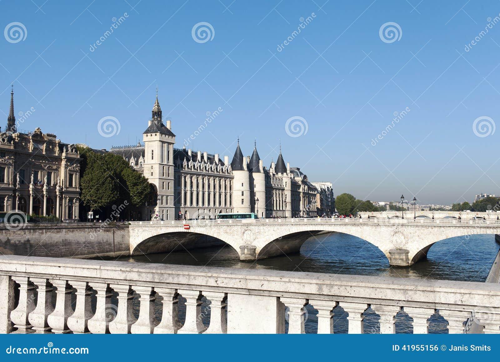 Los Angeles Concergerie, Paryż
