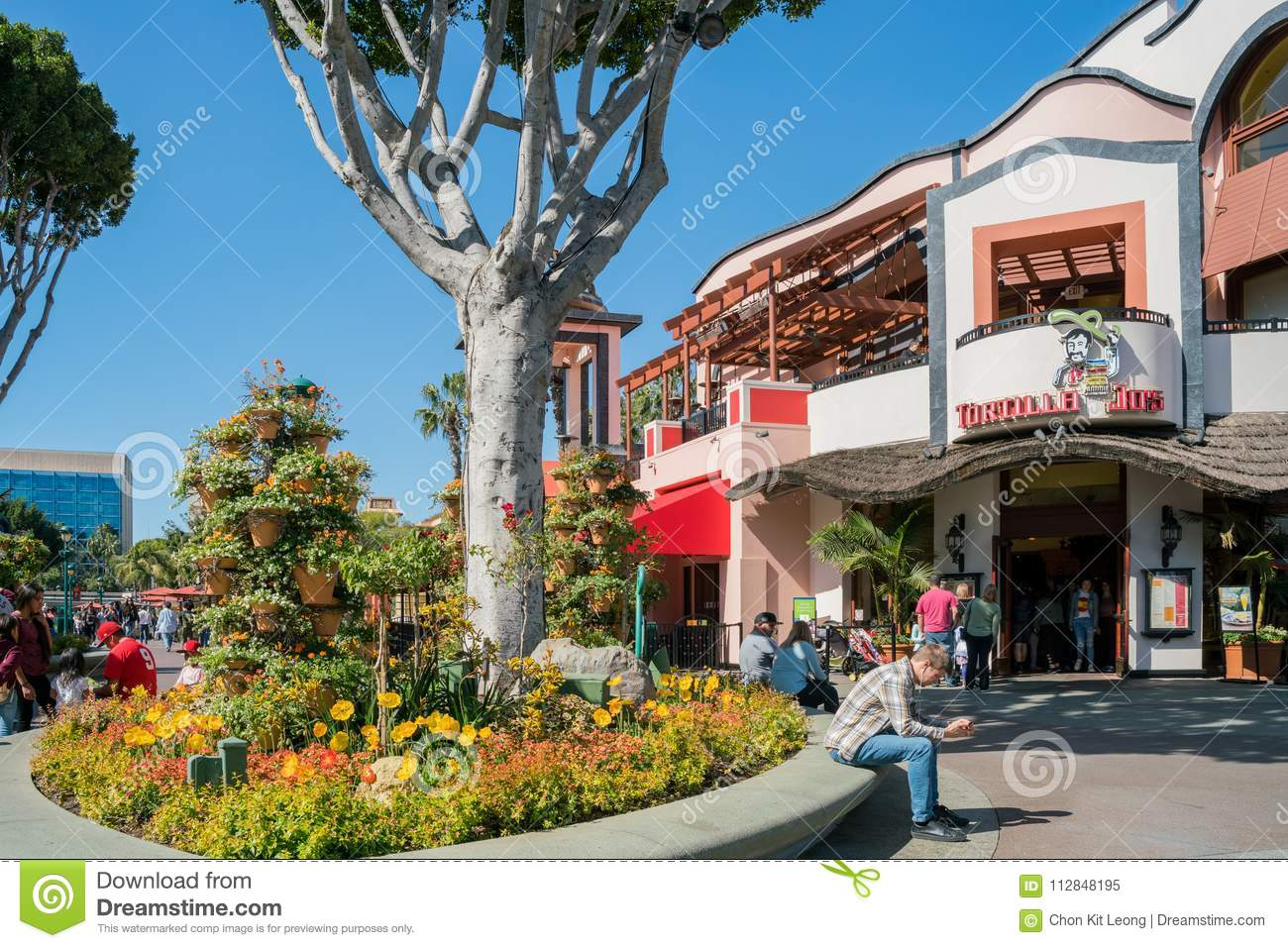 fc8d633e3c1 Beautiful Stores In Downtown Disney District Editorial Image - Image ...