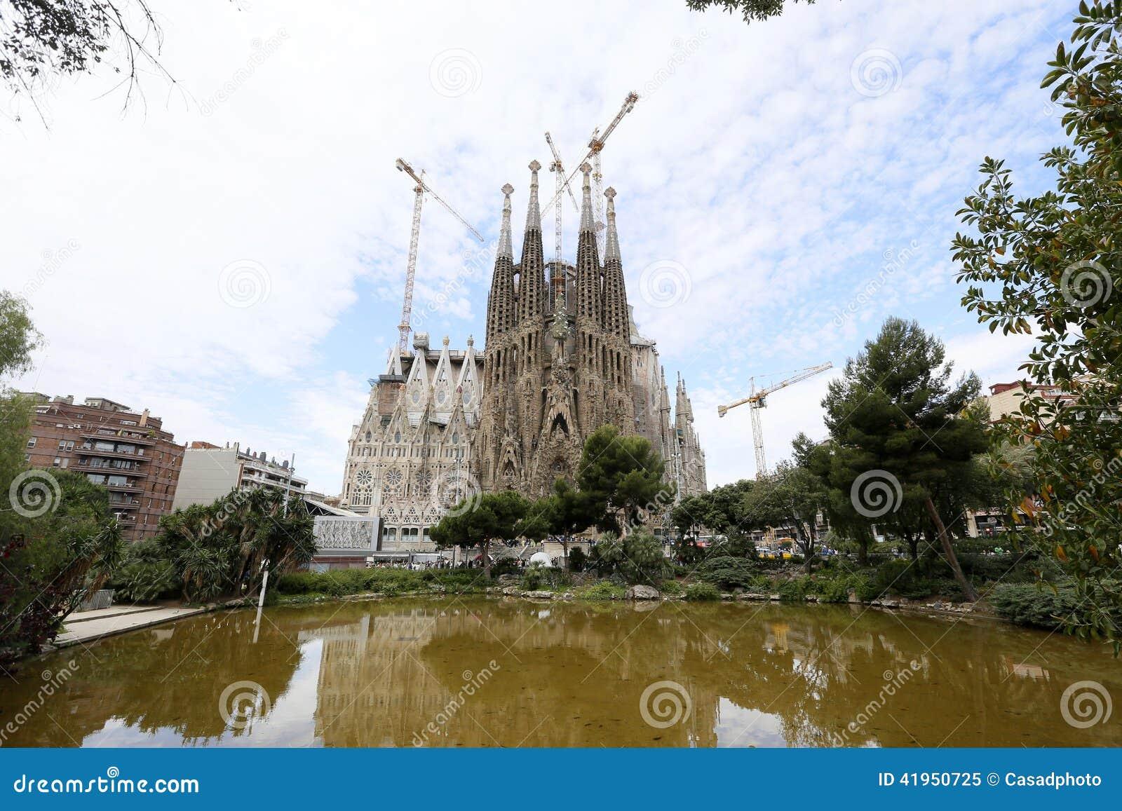 Los Angeles Sagrada Familia, projektujący Antoni Gaudi w Barcelona,