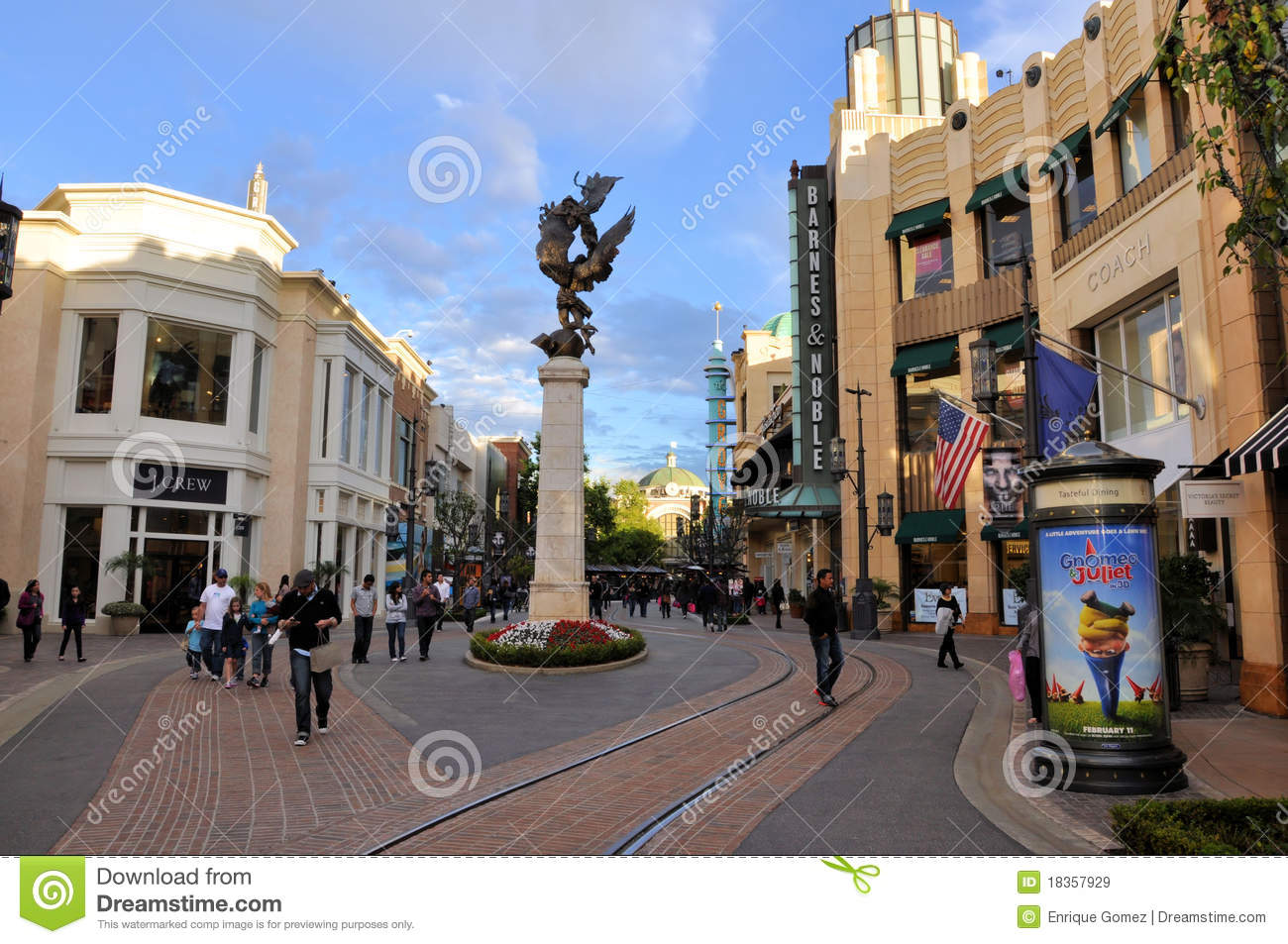 Los Angeles Shopping Center Editorial Stock Image Image