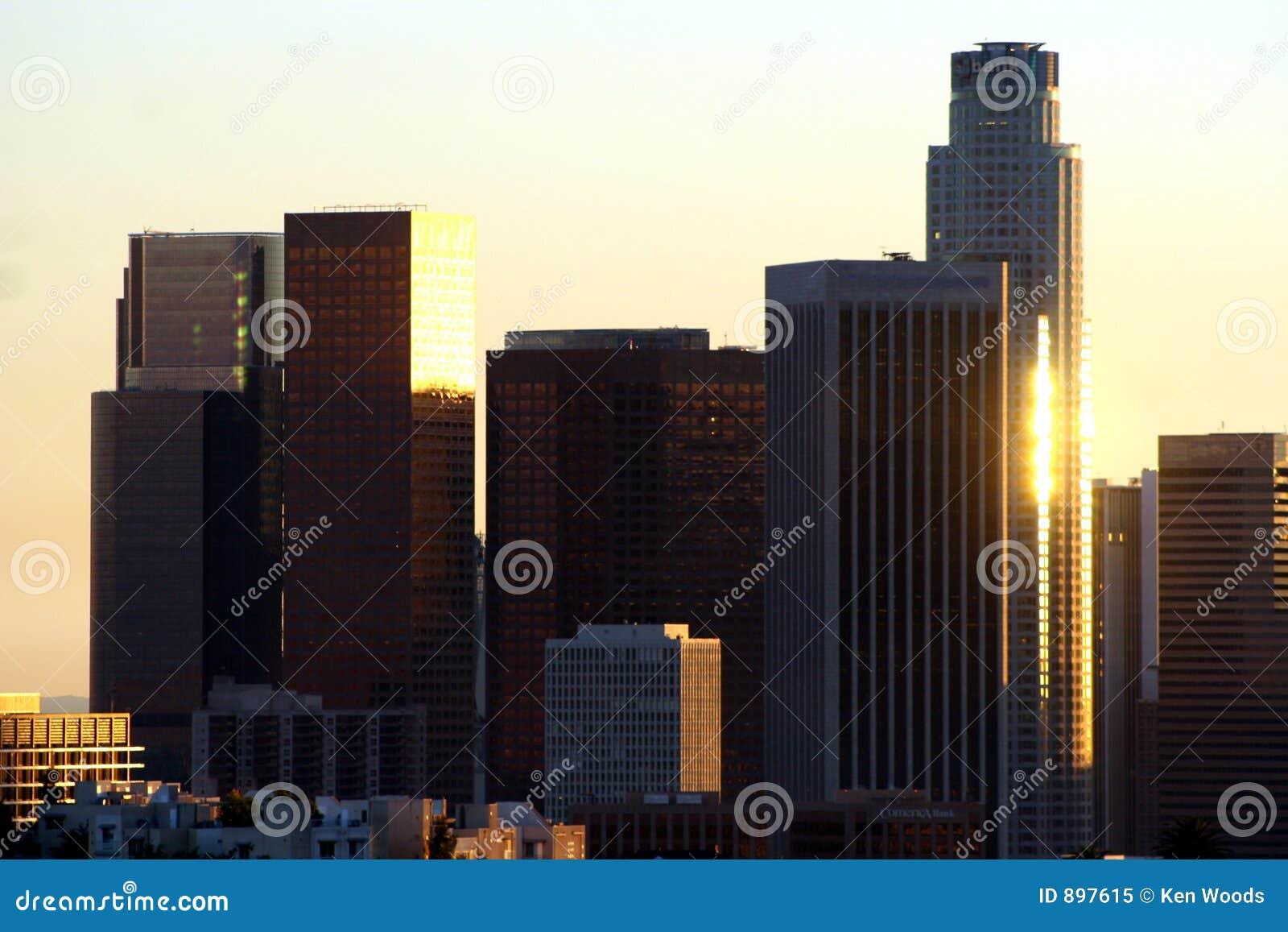 Los angeles skyline słońca