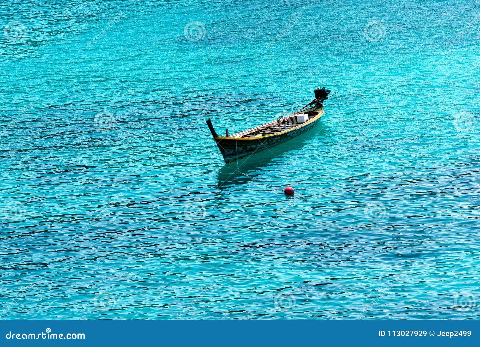 Los barcos están flotando