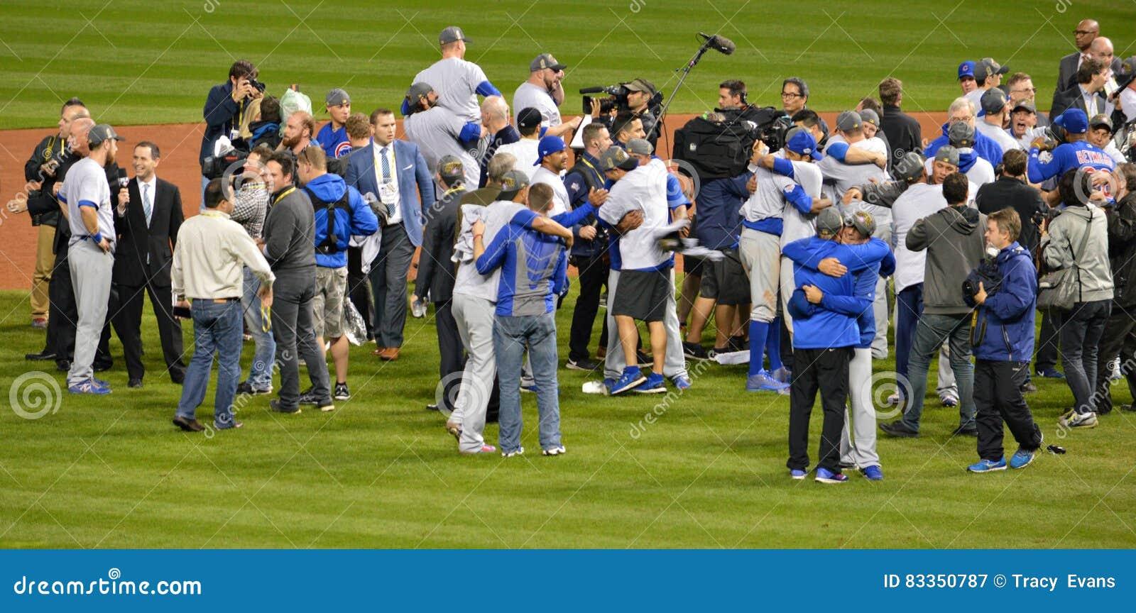 Los Chicago Cubs en la serie 2016 de mundo de la celebración del campo