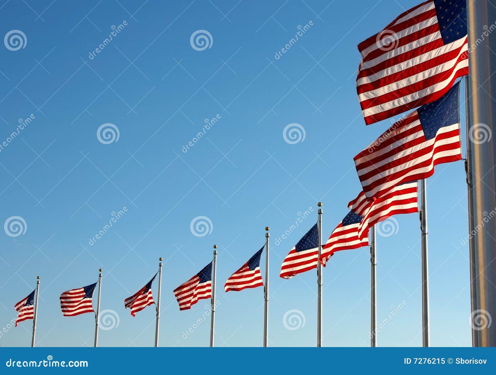 Los E.E.U.U. señalan por medio de una bandera cerca del monumento de Washington