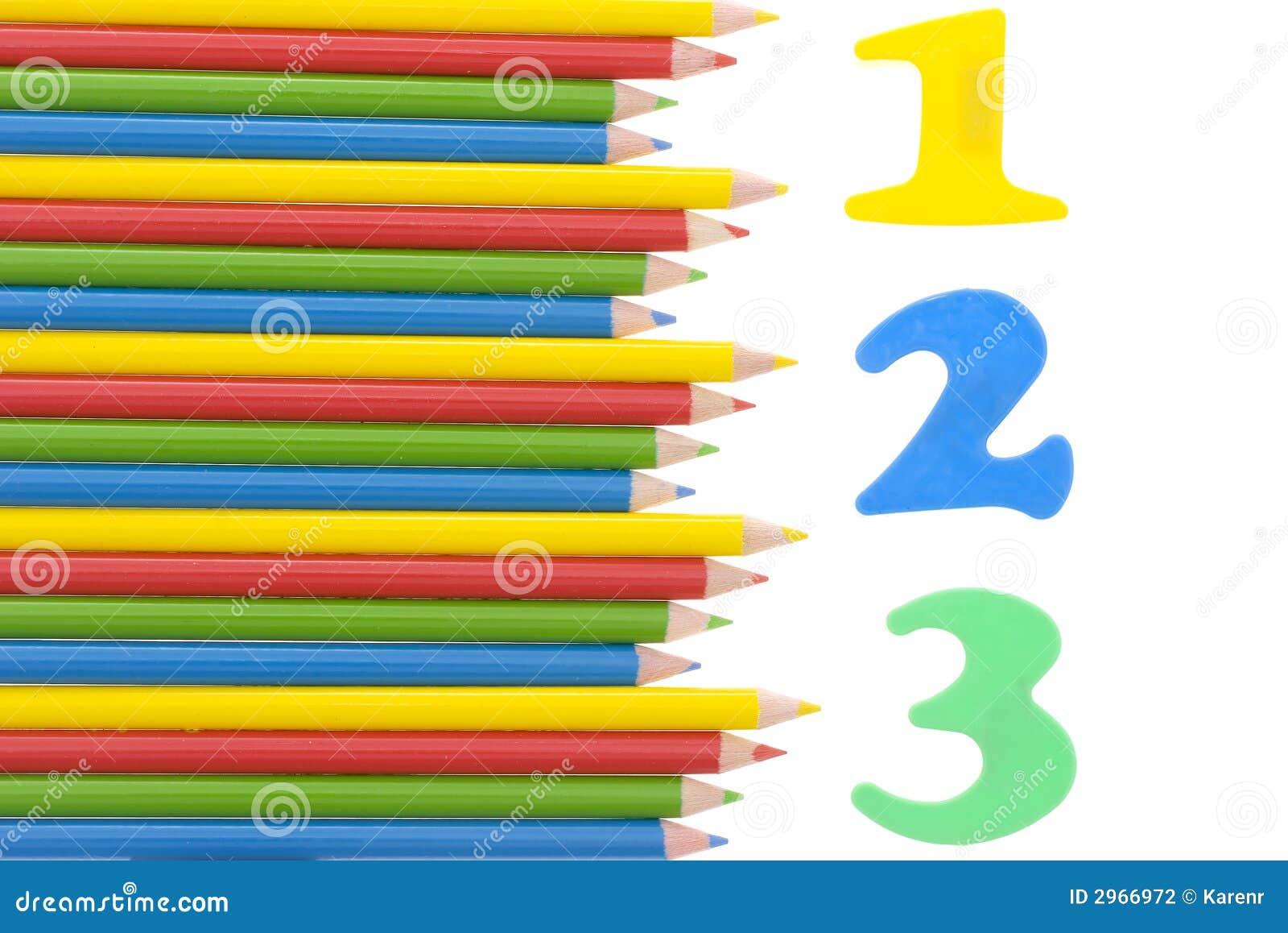 Los números con un color dibujaron a lápiz