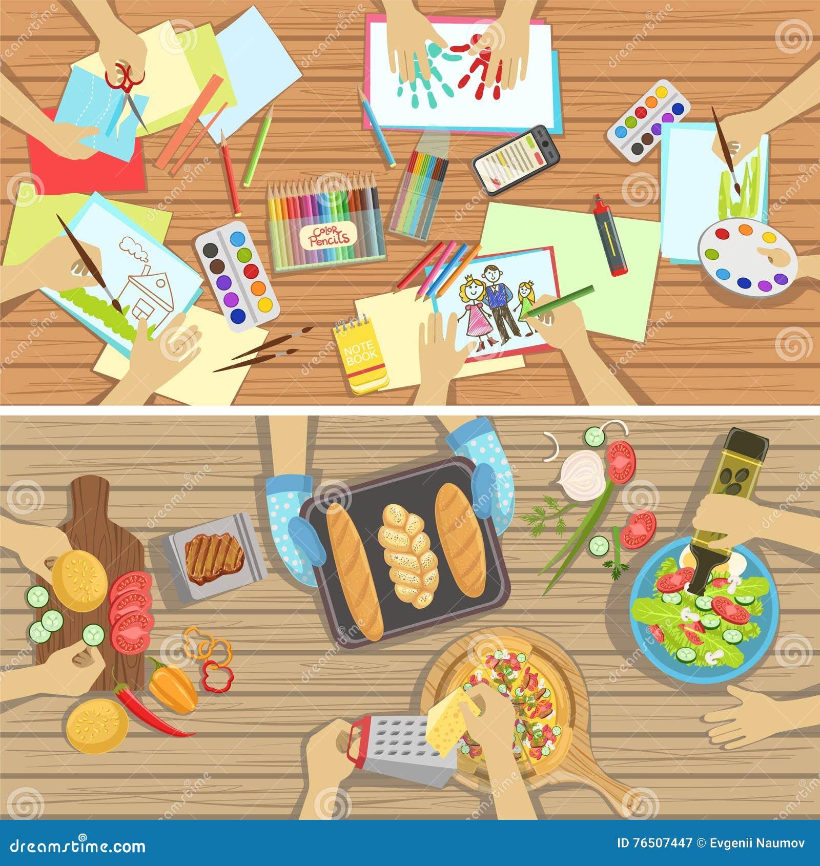 Los niños hacen a mano y cocinando ejemplos de la lección dos con solamente las manos visibles desde arriba de la tabla