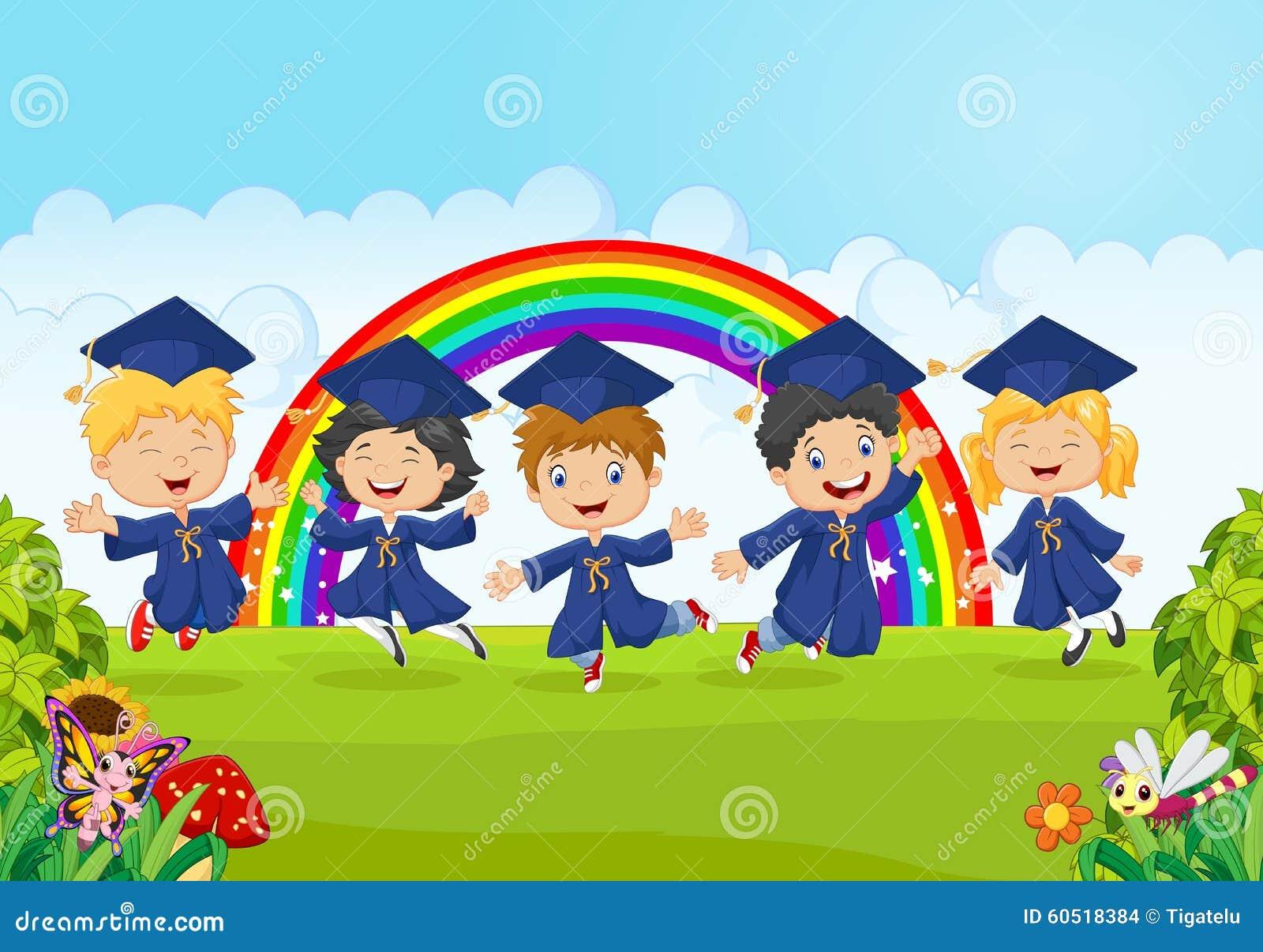 Los Niu00f1os Felices Celebran Su Graduaciu00f3n Con El Fondo De ...