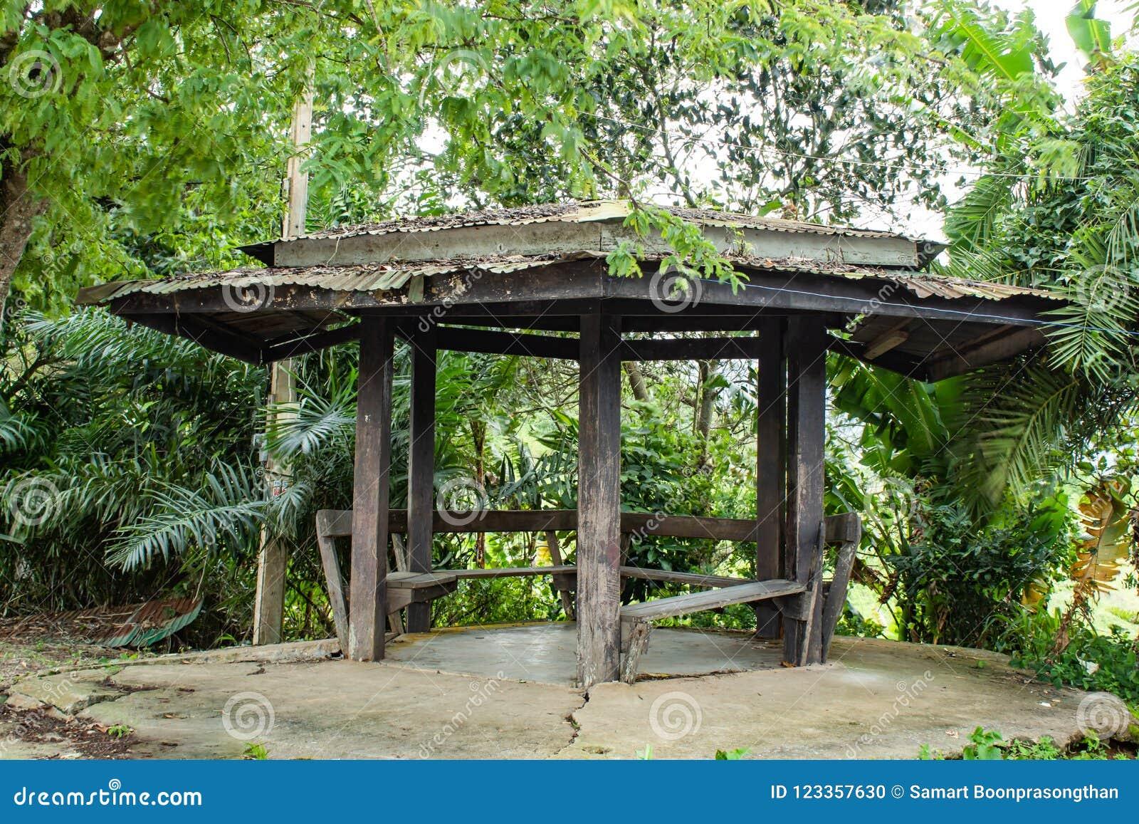 Los pabellones de madera para la relajación
