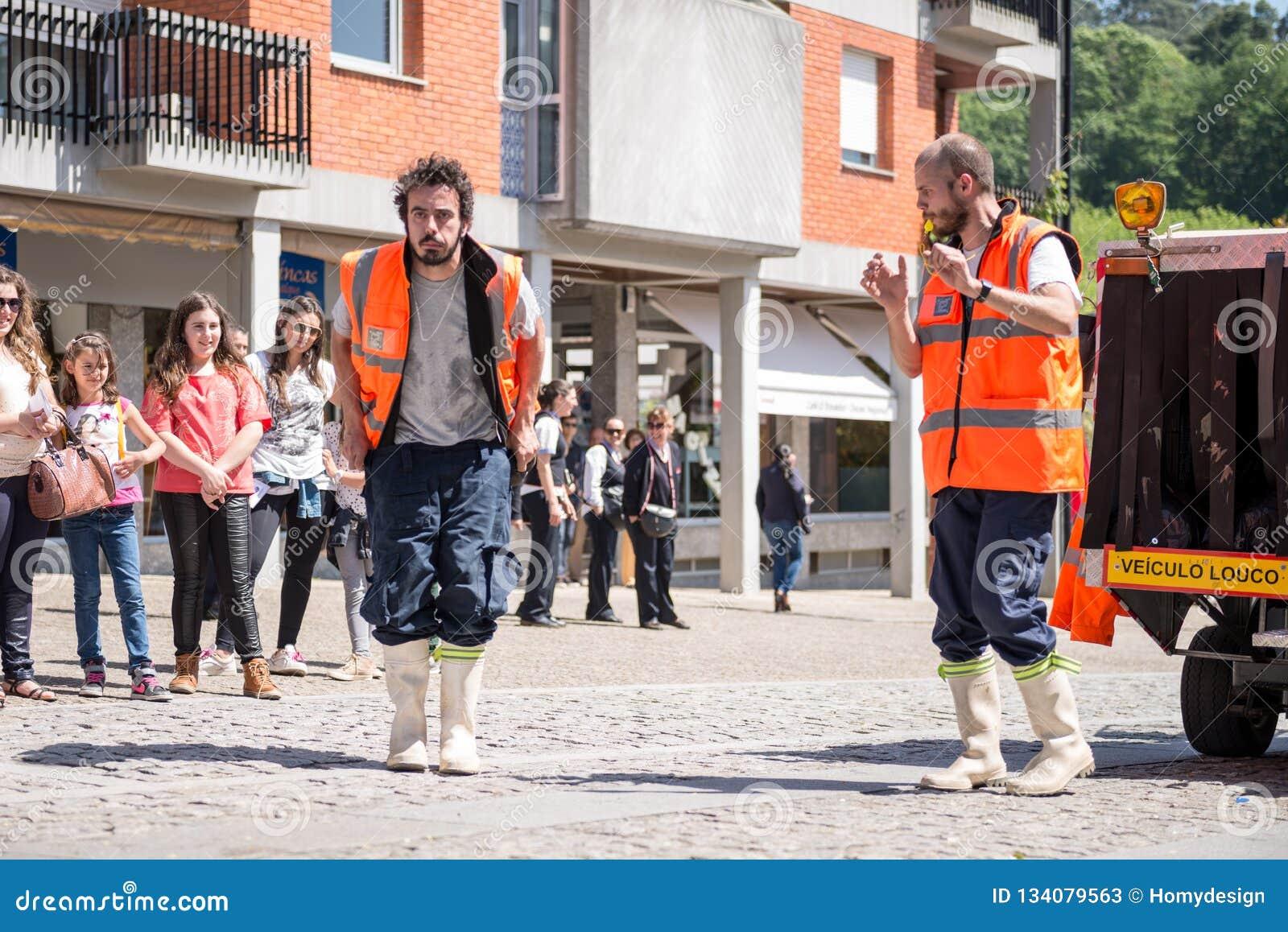 Los palmos de EstupideZ de Varios se realizaron por Projeto EZ de Portugal