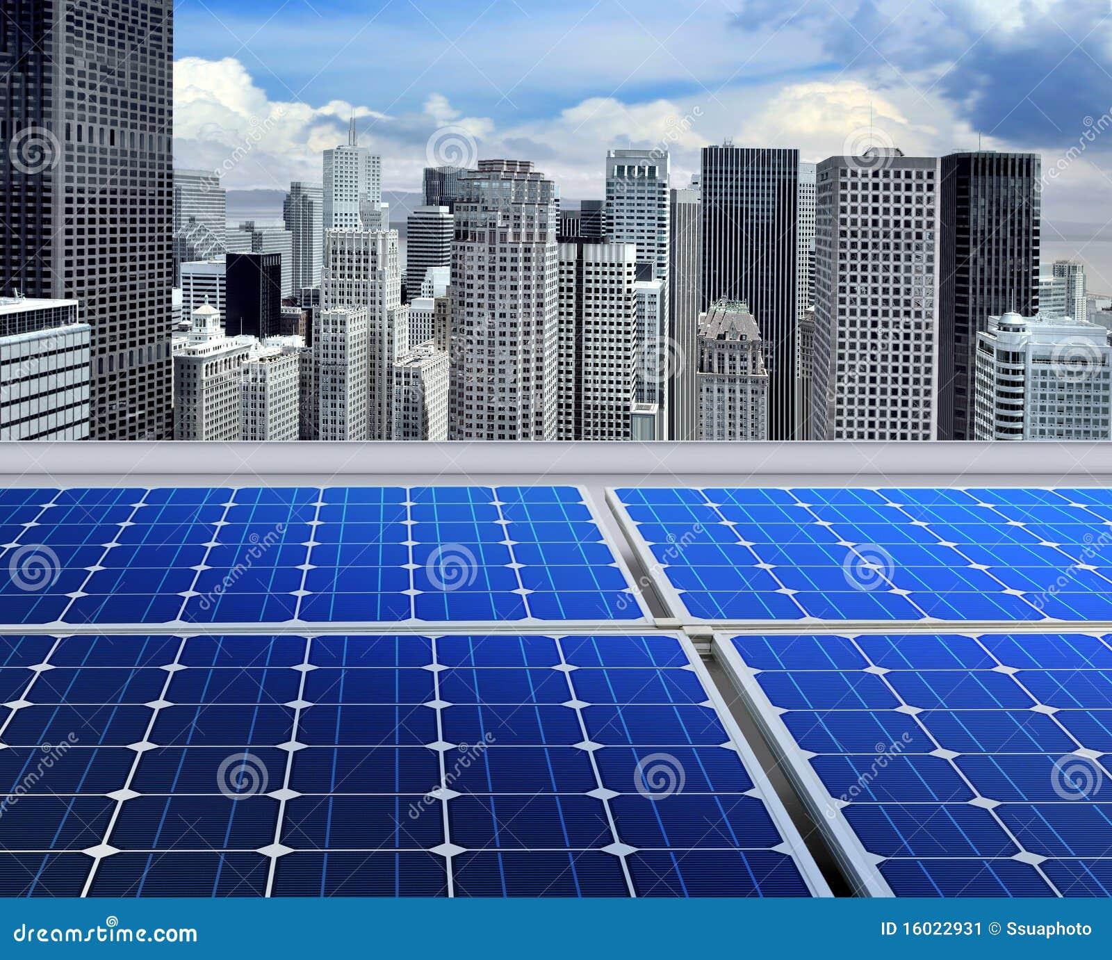 Los paneles solares en la azotea moderna