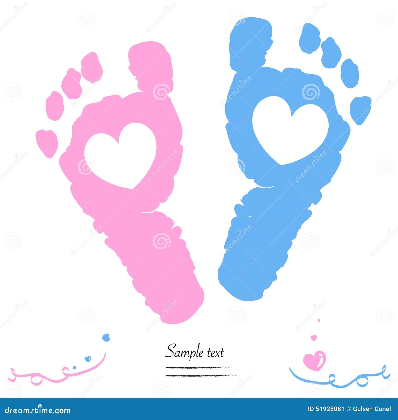 Los pies gemelos del bebé y del muchacho imprimen la tarjeta de felicitación de la llegada