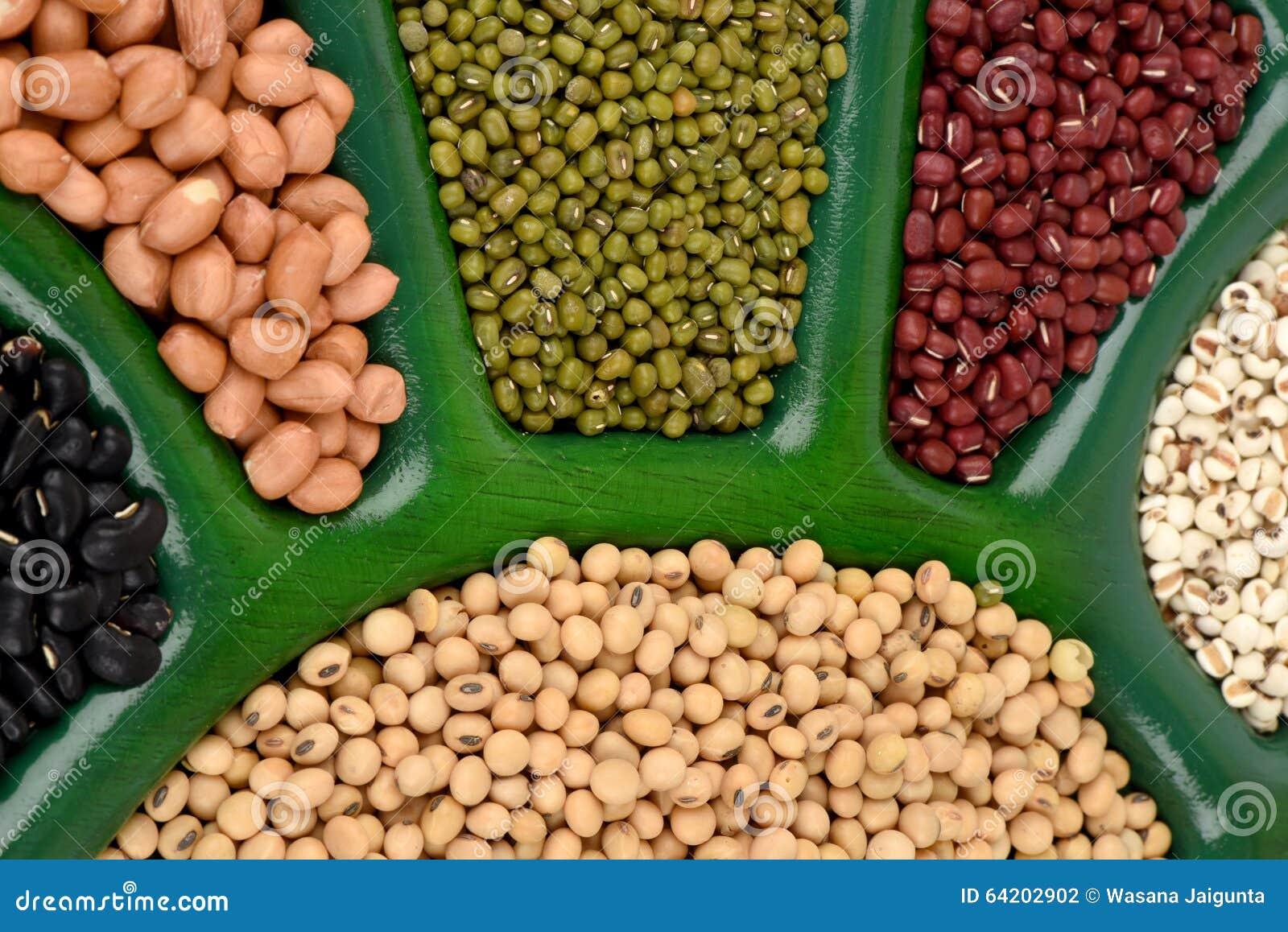 Los rasgones de Ob, habas de la soja, habas rojas, alubias negras, cacahuete y habas verdes
