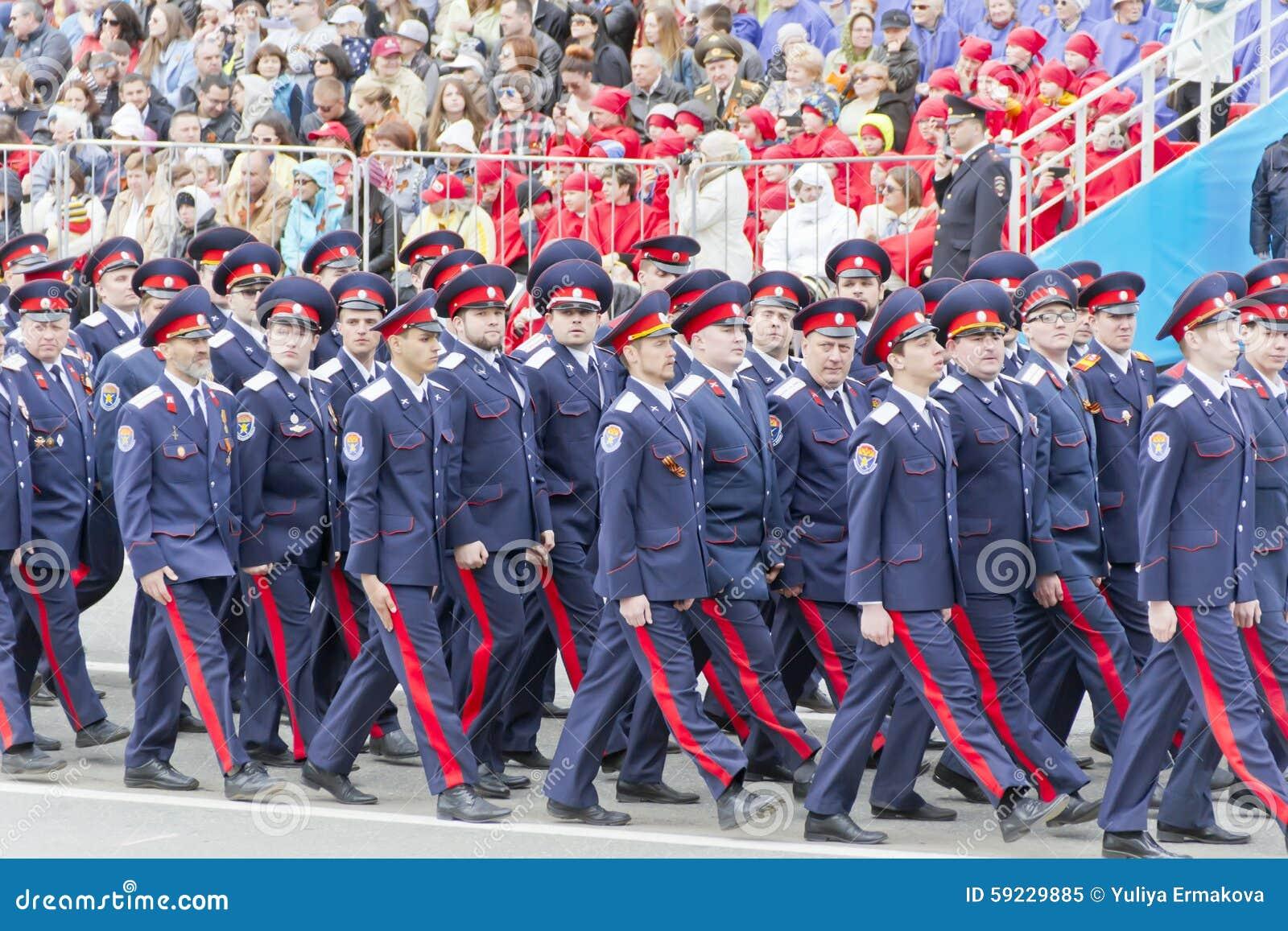 Download Los Soldados Rusos Marchan En El Desfile En Victory Day Anual Imagen editorial - Imagen de historia, renacimiento: 59229885
