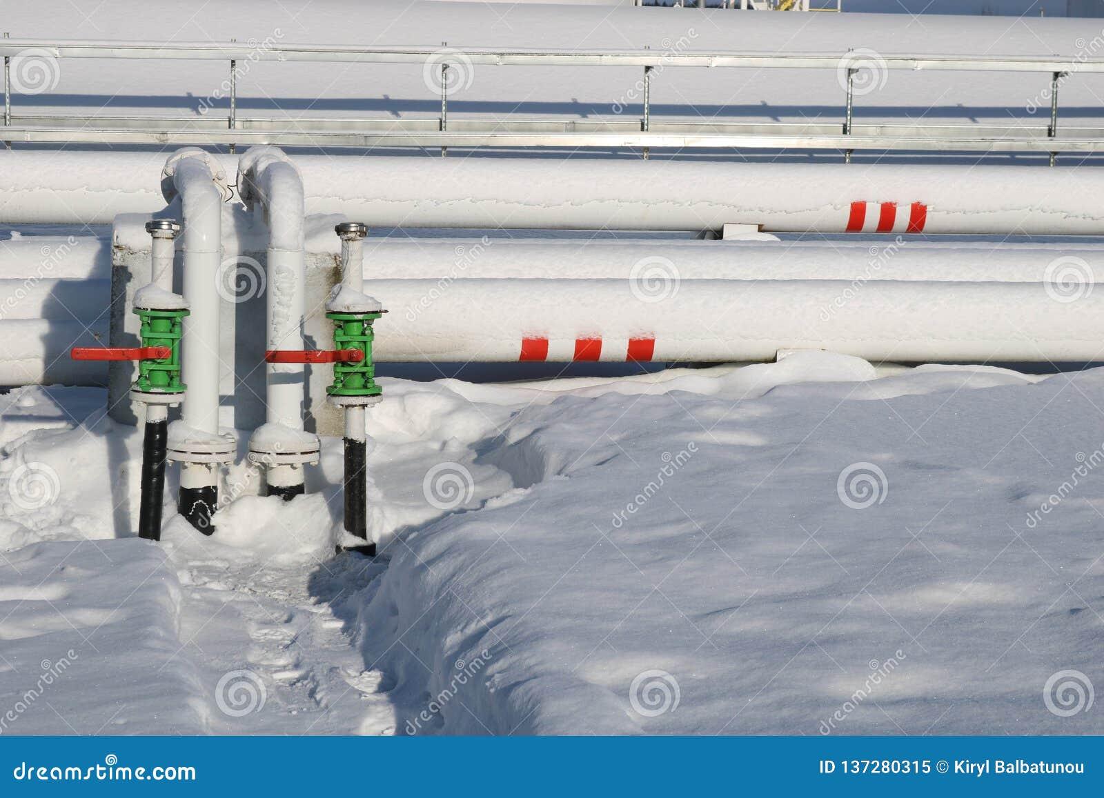 Los tanques industriales del metal blanco grande del hierro para el almacenamiento del combustible, gasolina y diesel y tubería c