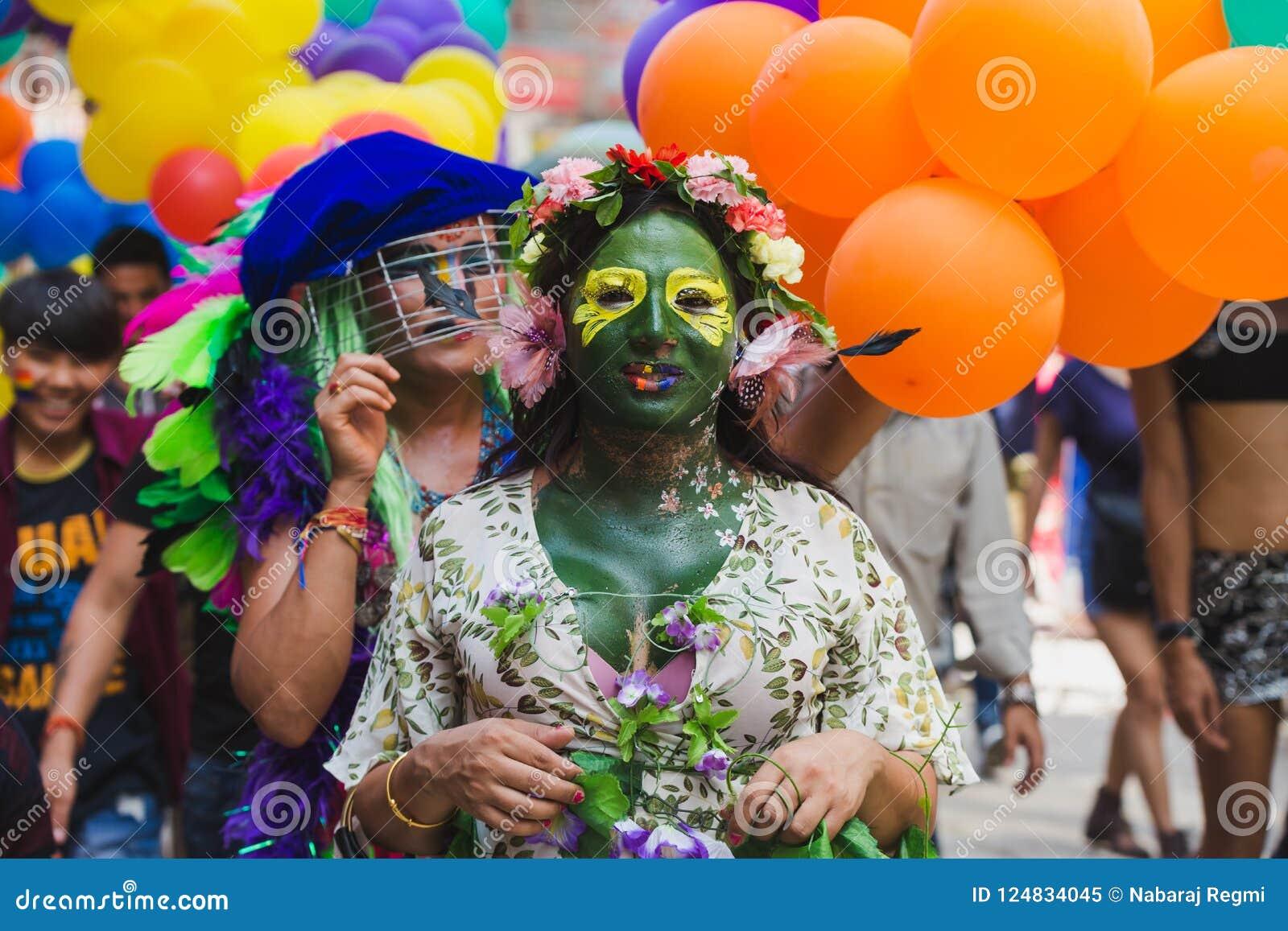 Los terceros géneros celebran el festival de Gaijatra en Katmandu Nepal