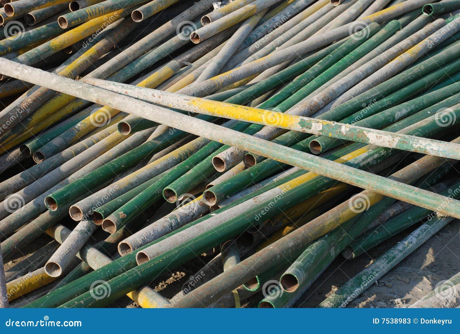 Los tubos del hierro fotos de archivo imagen 7538983 for Tubos de hierro rectangulares