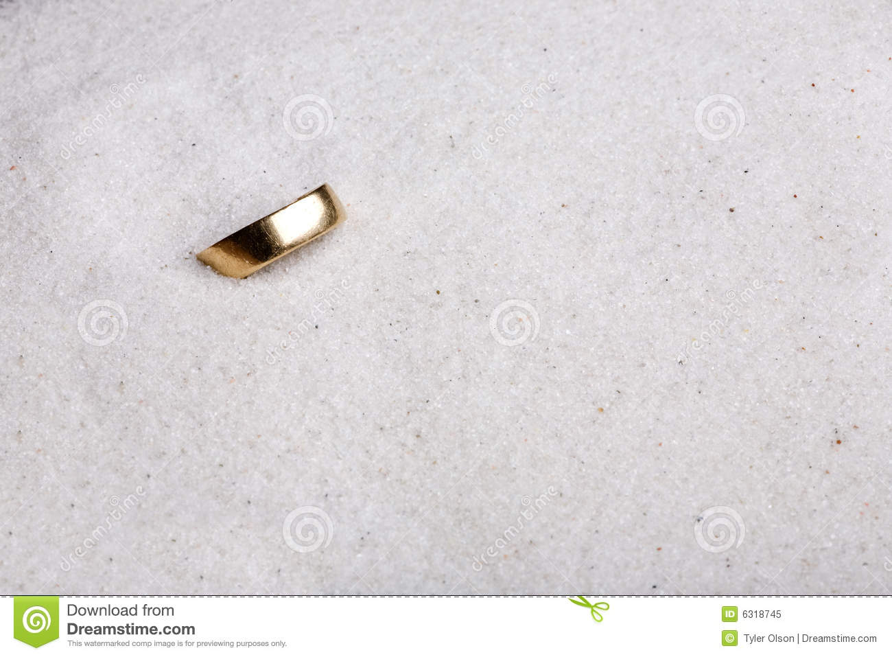 Lost Ring Royalty Free Stock Photo - Image: 6318745
