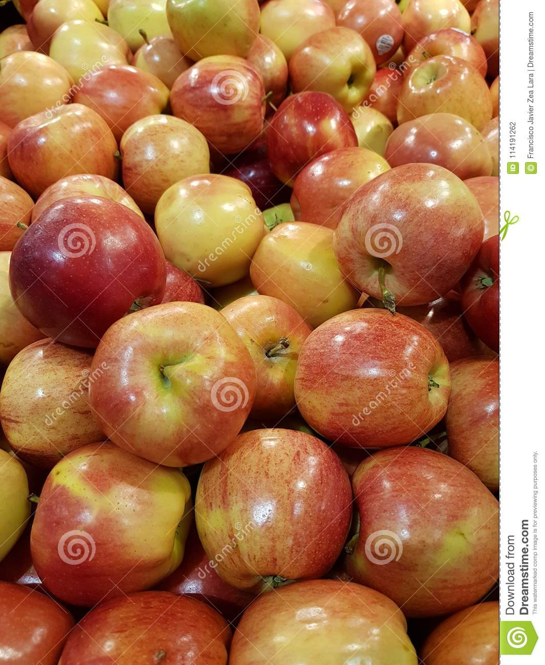 Lot Of Apple Fruit In A Market, In Colors Red With Yellow ...