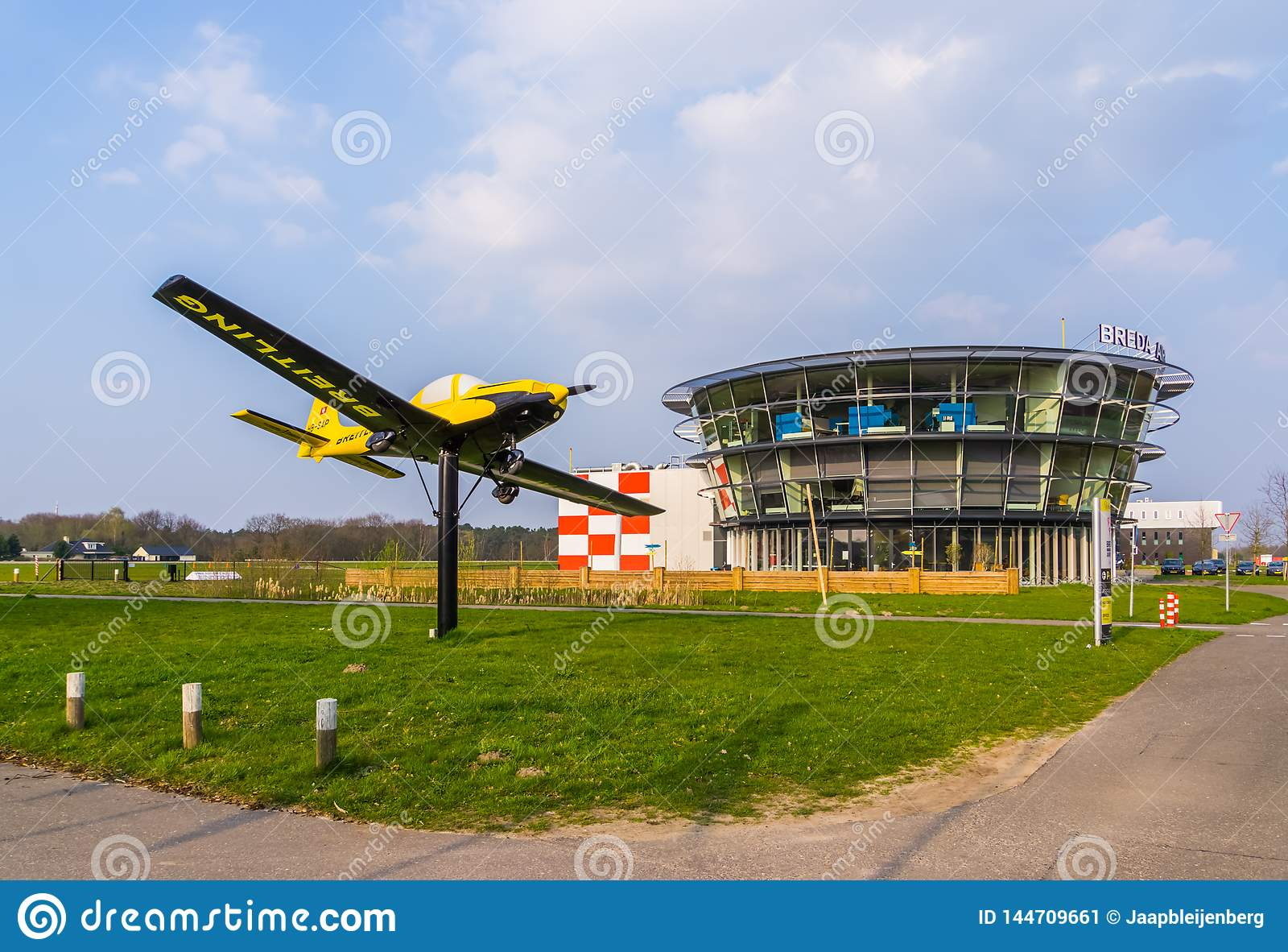 Lotnisko bosschenhoofd z samolotem, lotnictwa seppe Breda holandie, Marzec 30, 2019