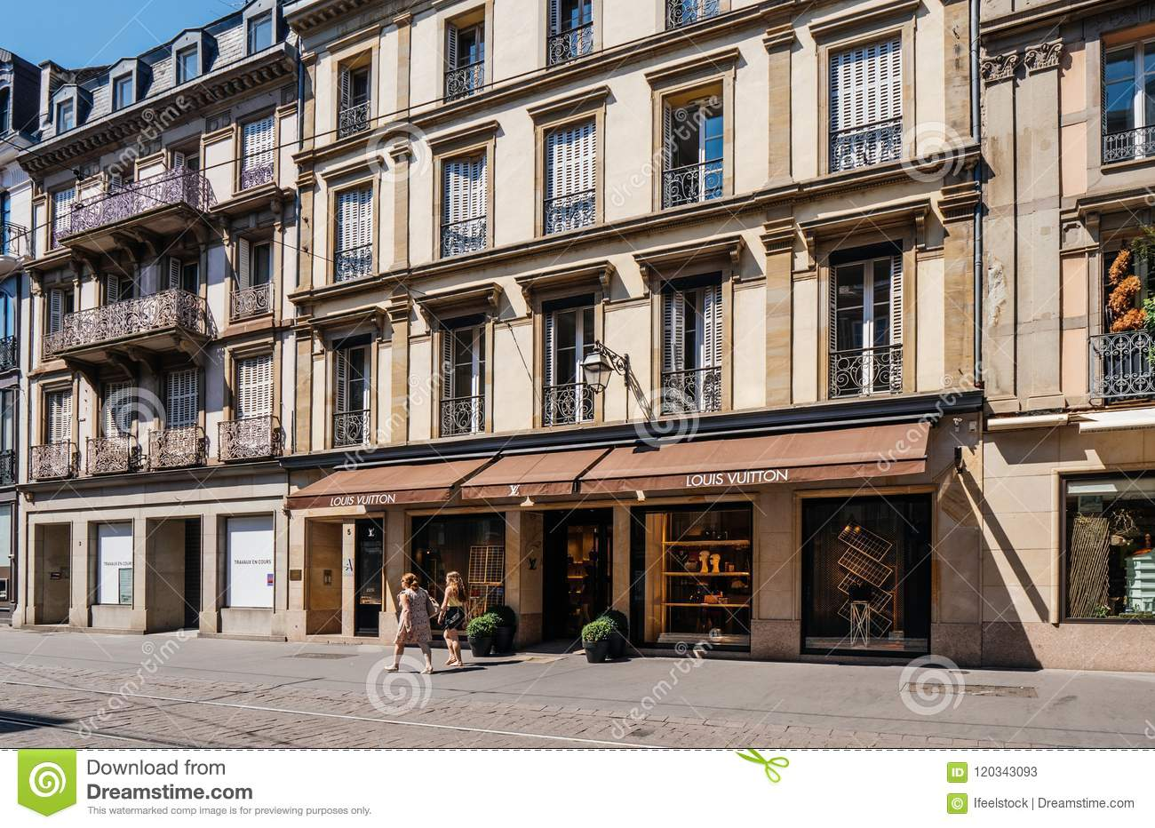 0774e99549ca2 Louis Vuitton Luxury Flagship Store Editorial Stock Photo - Image of ...