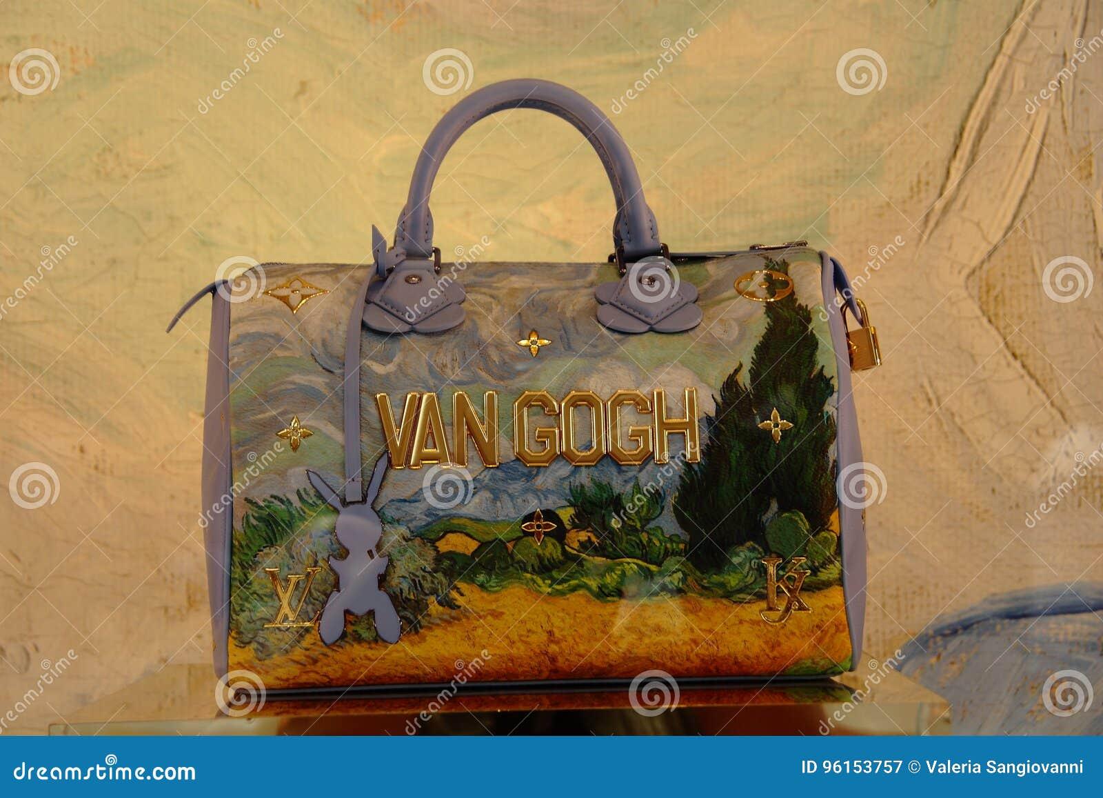 23a2873d92231 Louis Vuitton Samochód dostawczy Gogh torba w sklepowym okno przy Galleria  Vittorio Emanuele II w Mediolan