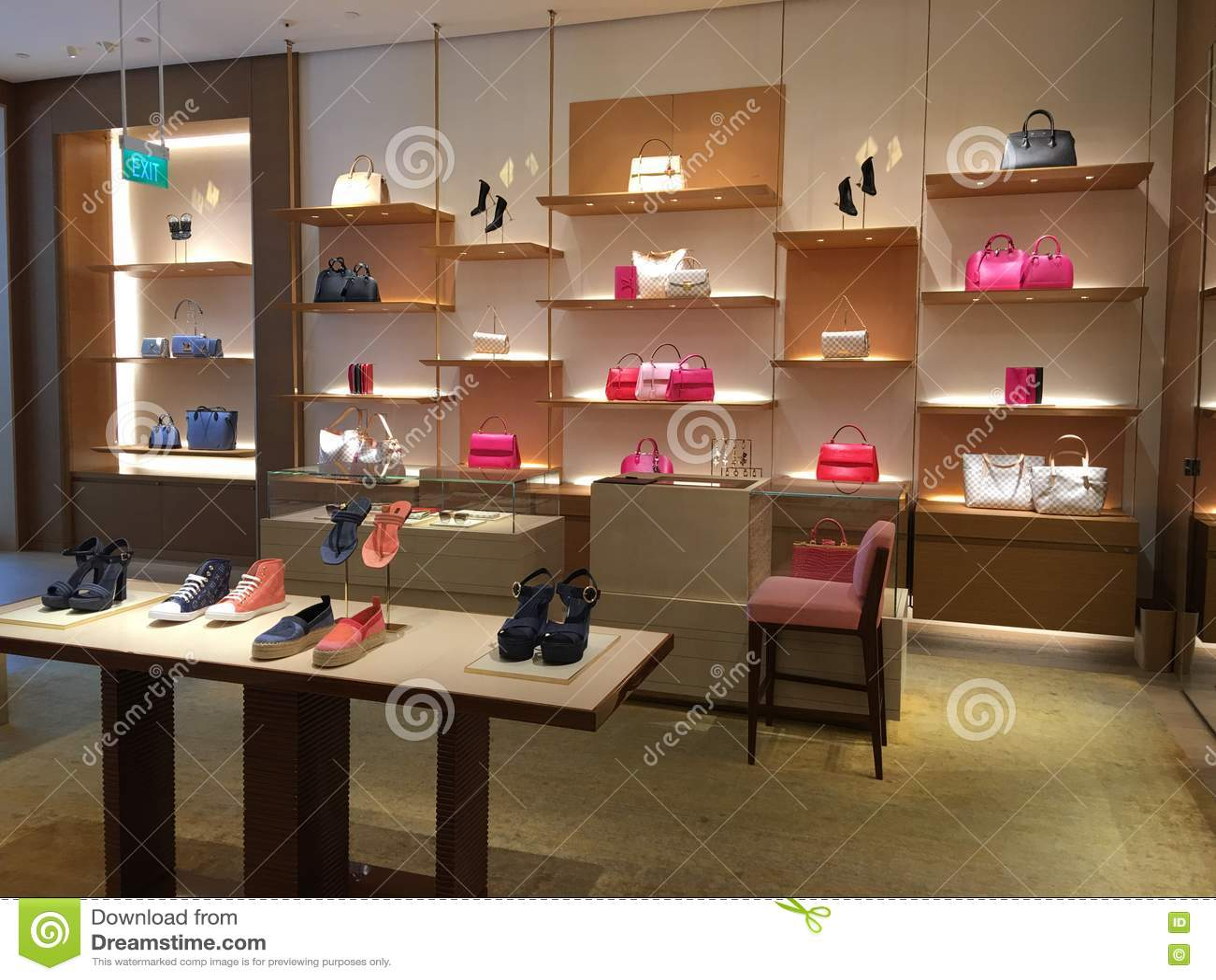 Louis Vuitton Shop Interior Display