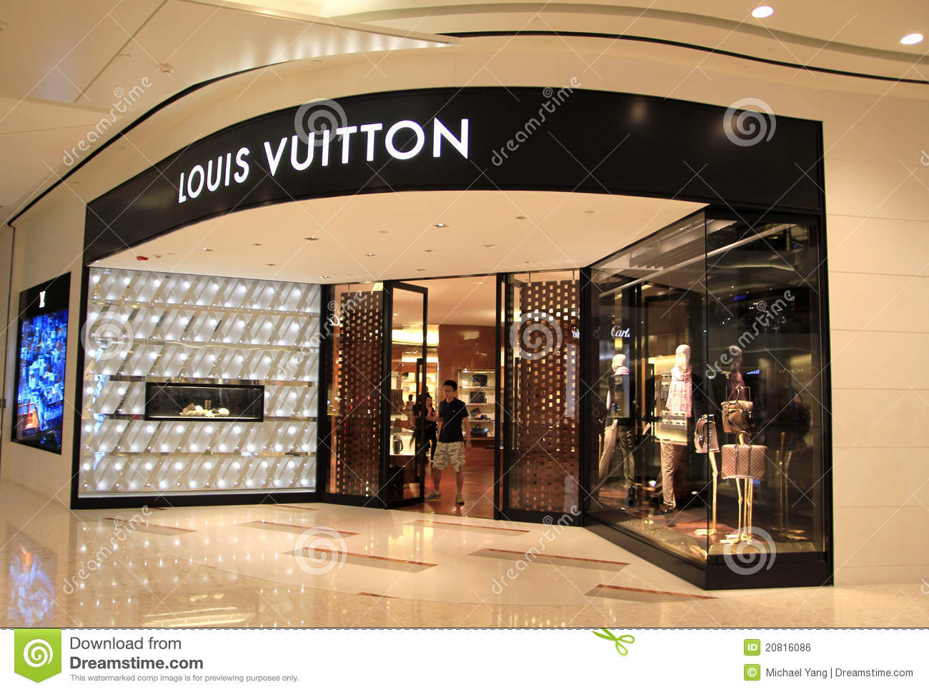 35c158bf765 Louis Vuitton Shop In Shanghai Editorial Photo - Image of shop ...