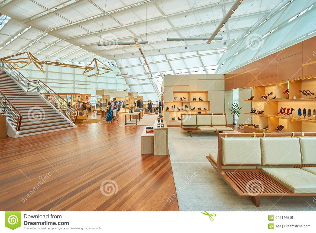 80c7c8b5e Louis Vuitton store editorial stock image. Image of outlet - 105146519