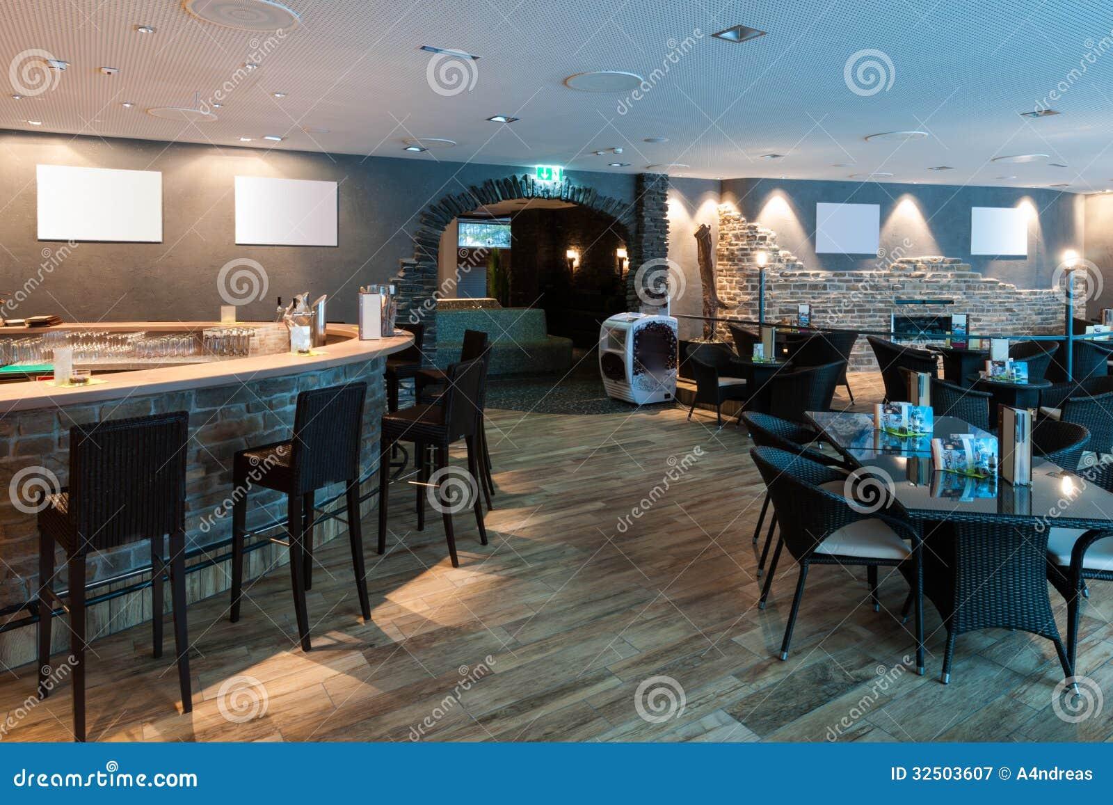 lounge bar gemacht vom stein und vom holz stockbild bild 32503607. Black Bedroom Furniture Sets. Home Design Ideas