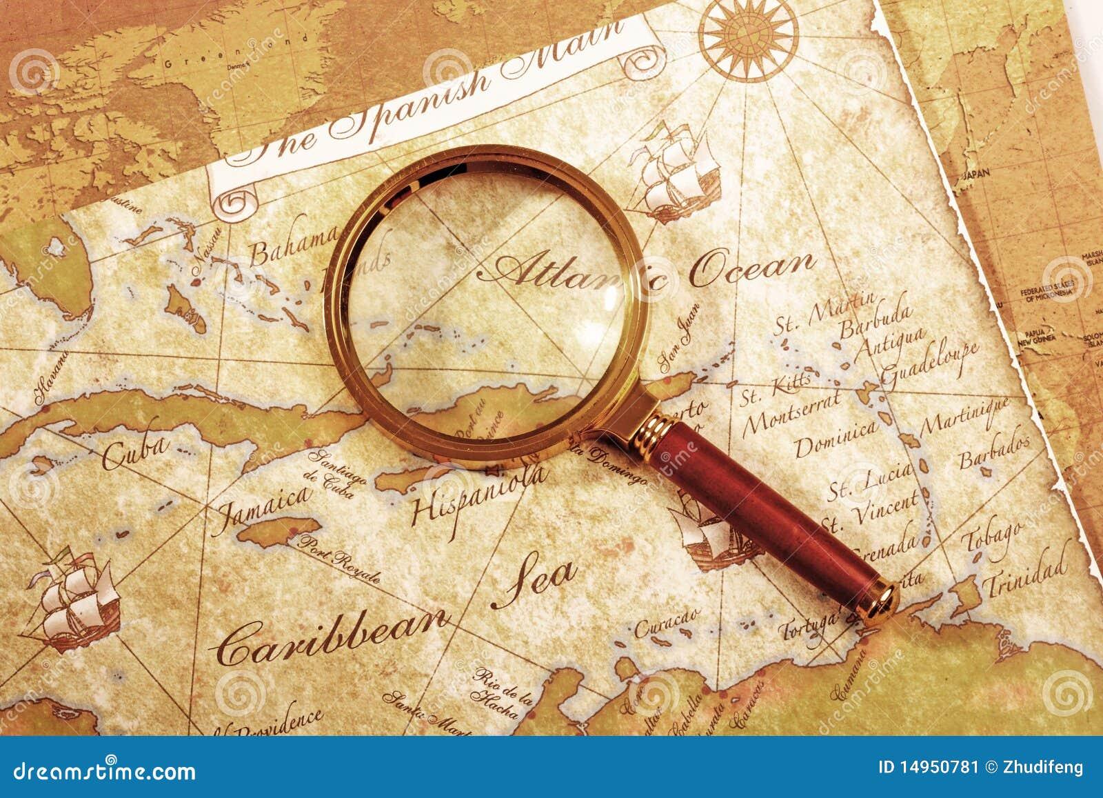 Carte Au Tresor Loupe.Loupe Sur Une Carte De Tresor Image Stock Image Du Dirigez