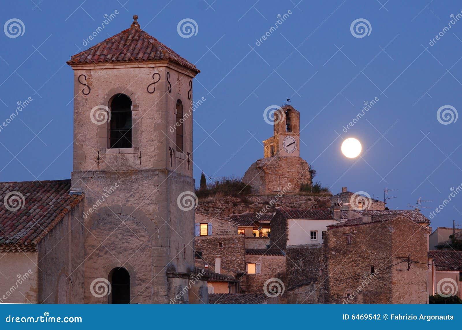Lourmarin księżyc france