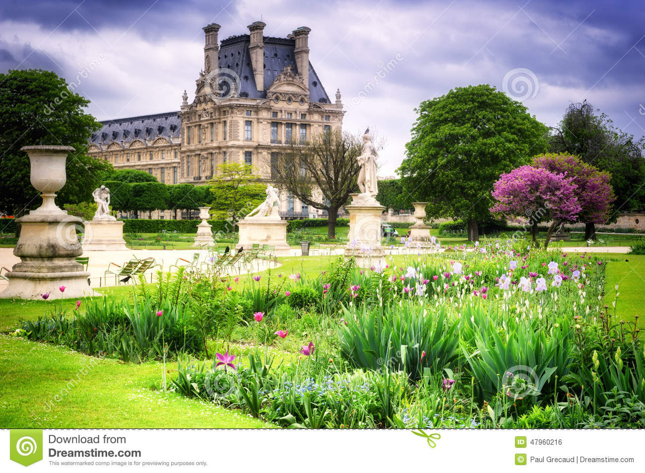 Louvre palace and tuileries garden paris france stock - Sculpture jardin des tuileries ...