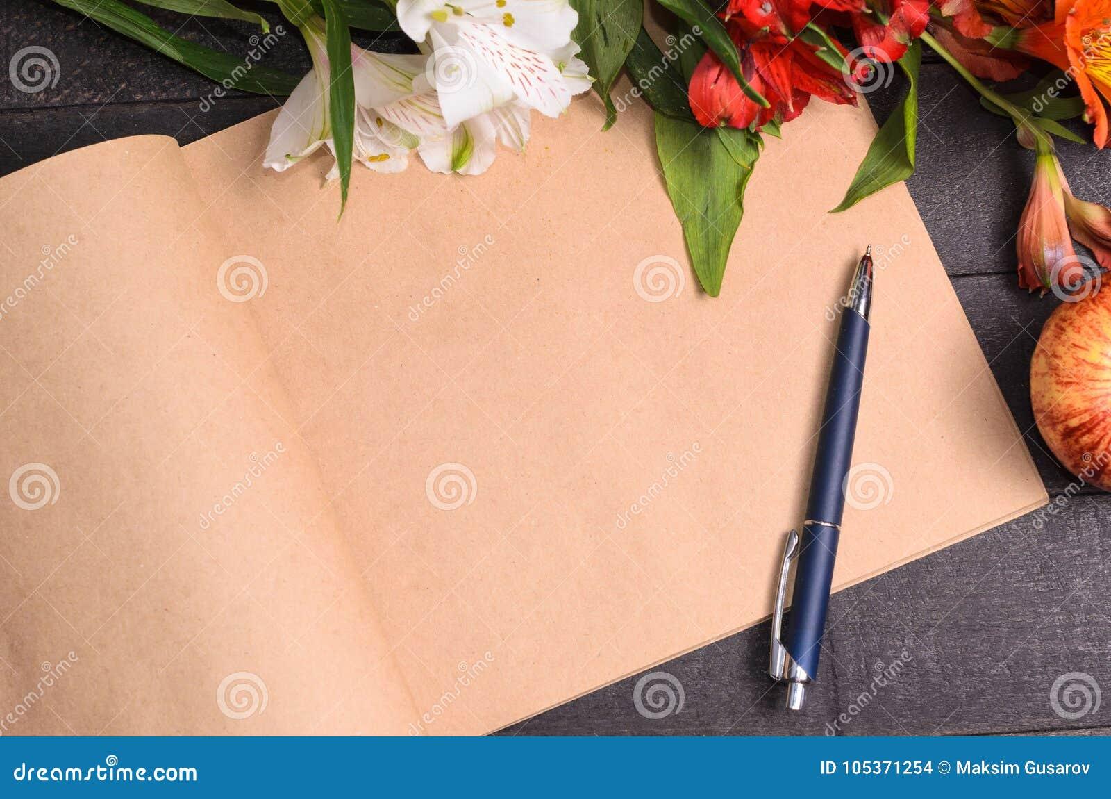 Love letter flower bouquet, free space