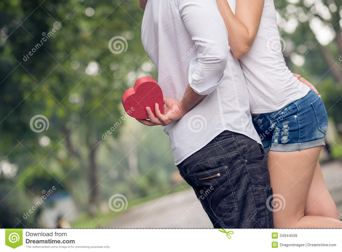 Signs youre dating a less affectionate girl