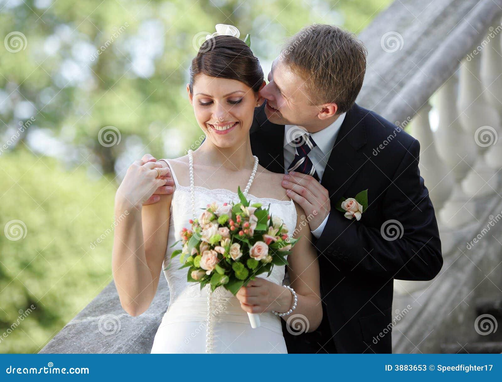 couple romancing photography 8od