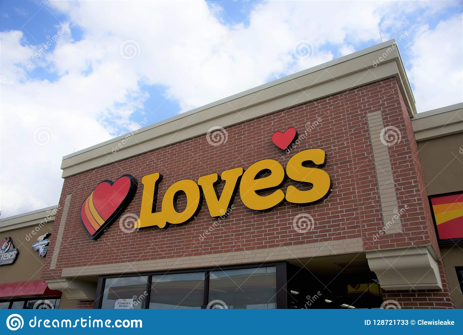 Love`s Travel Stop editorial stock photo. Image of center - 128721733