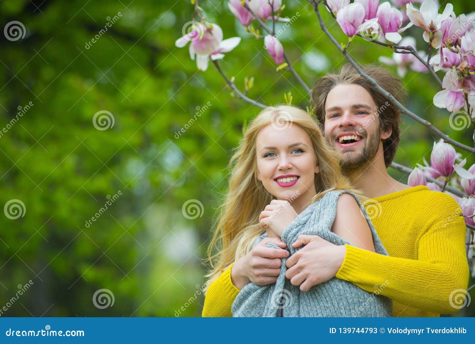 Magnolia dating 999 ystäviä dating