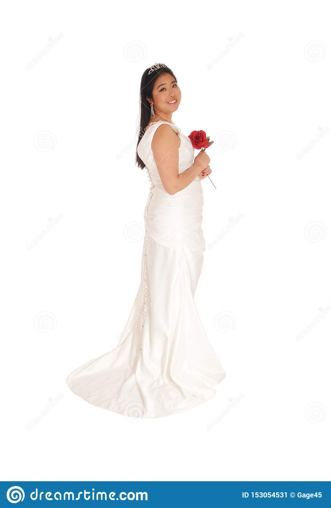 https://thumbs.dreamstime.com/z/lovely-bride-standing-white-gown-red-rose-beautiful-chinese-bride-holding-red-rose-standing-white-wedding-153054531.jpg