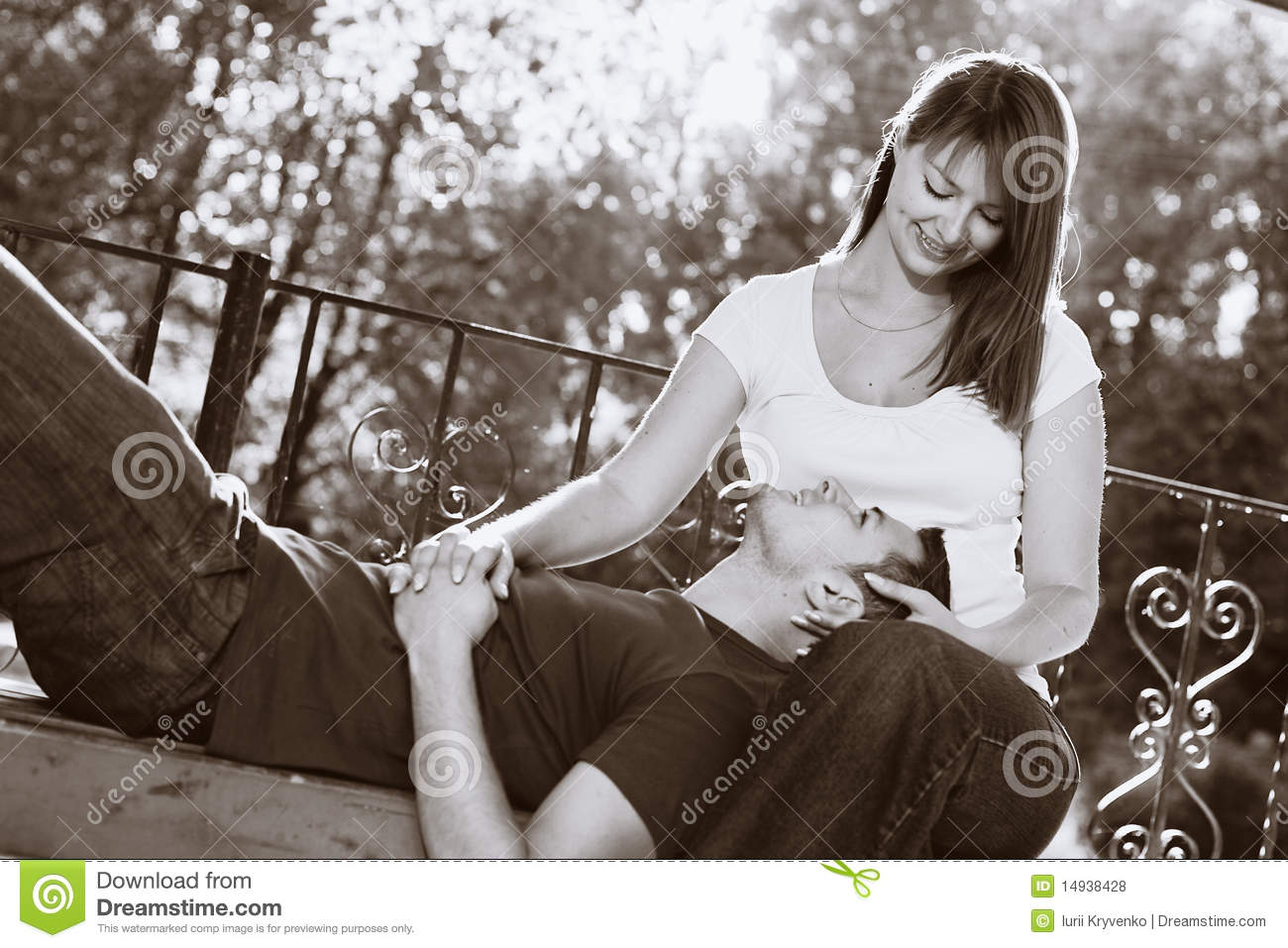 Lovely Couple On The Bench Royalty Free Stock Photos - Image: 14938428