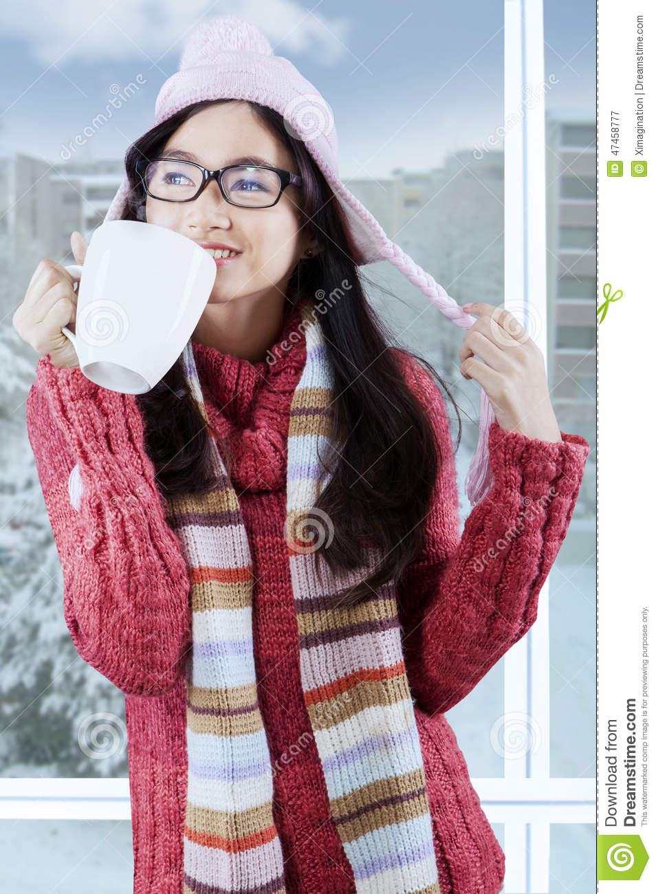 78574ff43 Lovely Girl In Warm Clothes Enjoy Warm Drink Stock Image - Image of ...