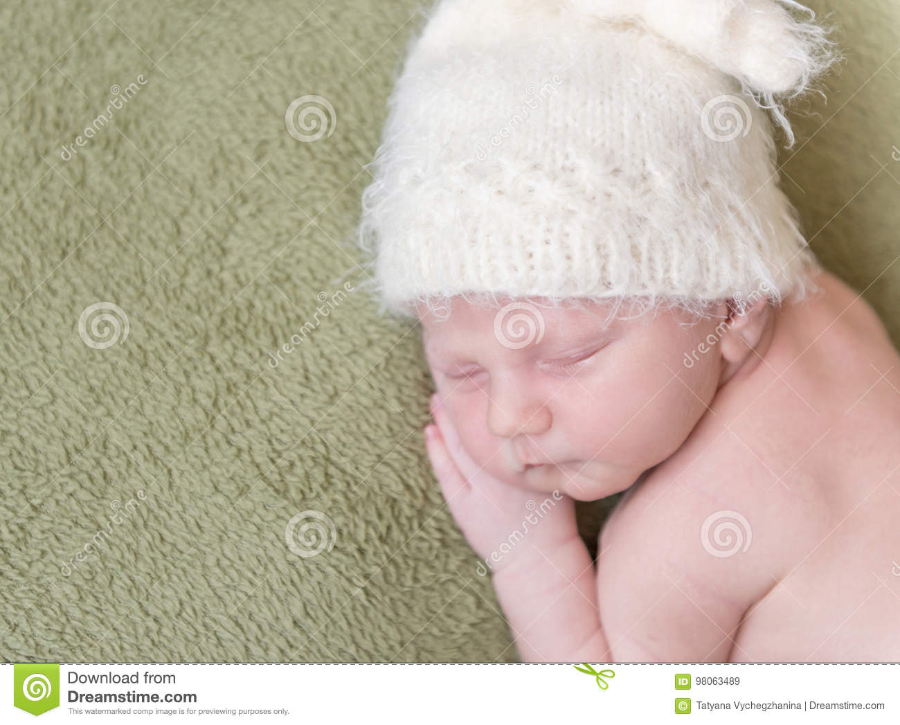 a88e0e7a2f1 Lovely Newborn Baby In Knitted Hat Stock Image - Image of alseep ...