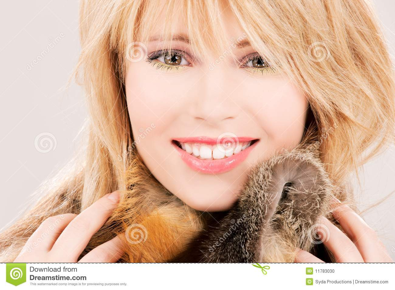 Lovely teenage girl in fur royalty free stock image - Traumzimmer fur teenager ...
