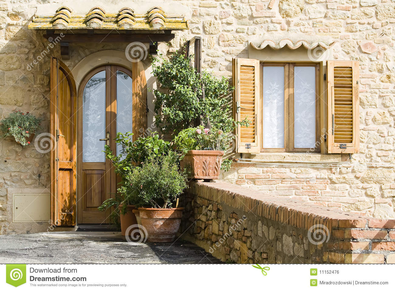 Lovely Tuscan Entrance Royalty Free Stock Image