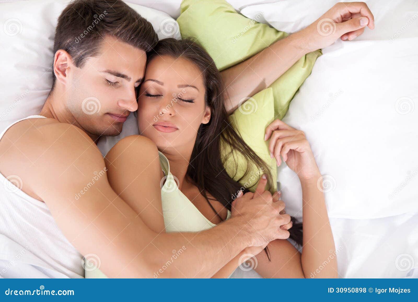 Что если девушки спят вместе, Изучите и запомните: как вычислить девушку. - Limon 25 фотография