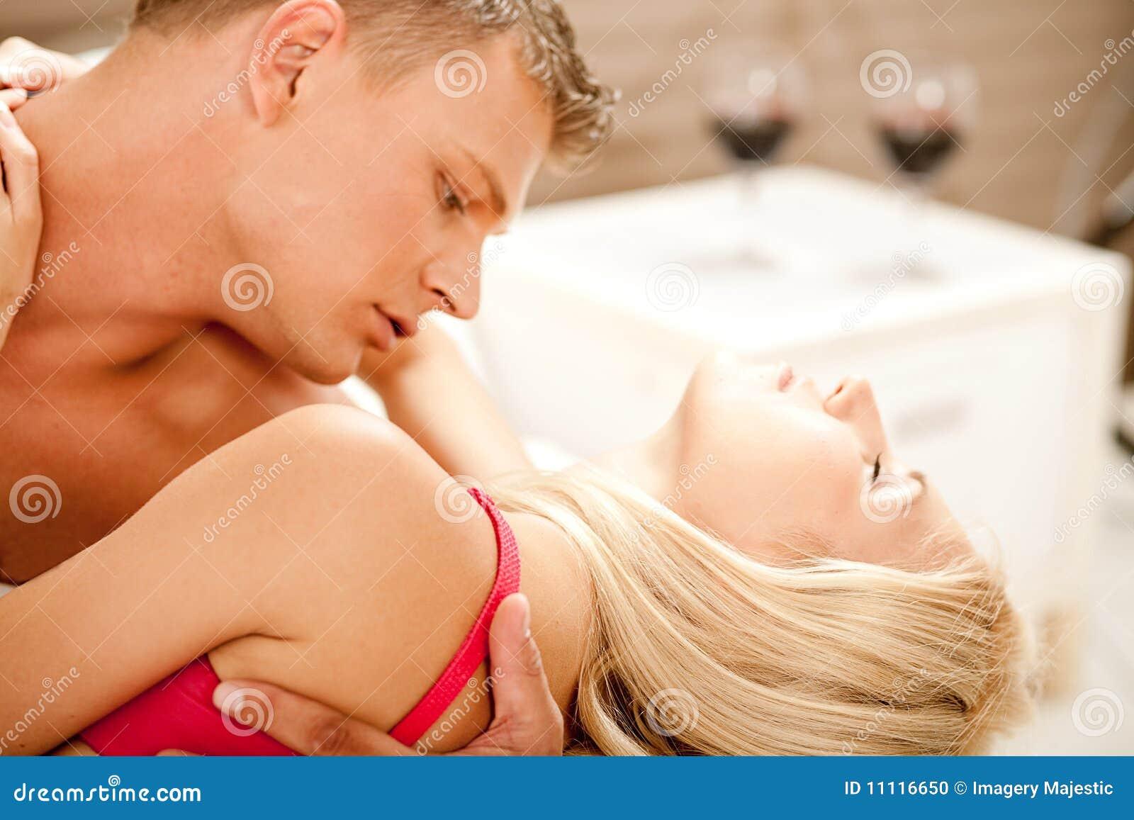 Настояла задержка и хочется секса совсем